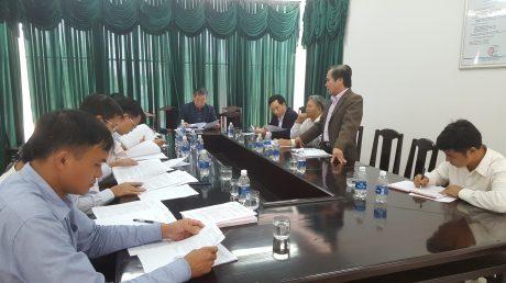 Huyện ủy Ea Hleo làm việc với Đảng ủy công ty.