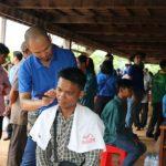 Tô thắm màu áo xanh thanh niên trên nước bạn Campuchia