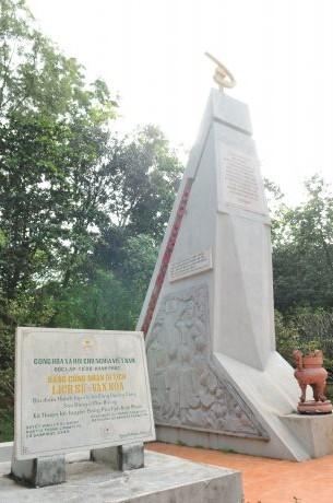 Tượng đài Phú Riềng đỏ được công nhận là di tích lịch sử văn hóa vào năm 1999. Ảnh: Tùng Châu