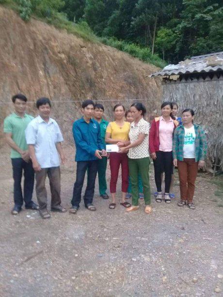 Bạn bè đồng nghiệp quyên góp tiền cho chị Tuyết