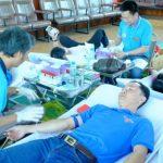 Gần 300 CBCNV, ĐVTN Cao su Phú Riềng hiến máu nhân đạo