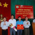 Công đoàn trao thưởng thi đua nước rút tại Tây Nguyên