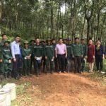 Trao thưởng thi đua nước rút cho công nhân Cao su Sơn La
