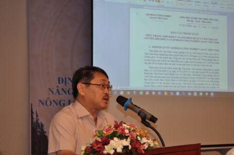 Ông Phạm Văn Thành - TV HĐQT VRG báo cáo tham luận tại hội thảo