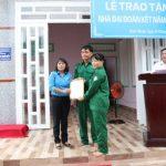 Khối thi đua miền Đông Nam Bộ 1 trao nhà Đại đoàn kết