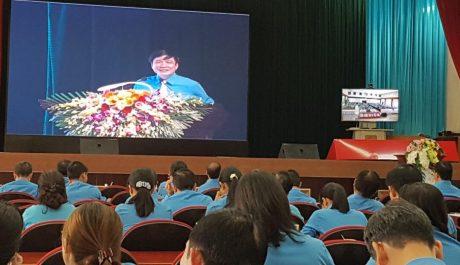 Đồng chí Bùi Văn Cường - Ủy viên Trung Ương Đảng - Chủ tịch Tổng Liên đoàn Lao động Việt Nam  tại đầu cầu Hà Nội