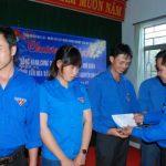 Tặng 20 suất quà Tết cho đoàn viên Cao su Mang Yang