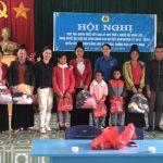 Cao su Sơn La tặng quà, áo ấm cho công nhân khó khăn