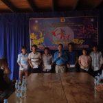 Công đoàn Cao su Chư Prông tặng quà cho công nhân tại Campuchia