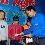 Đoàn Thanh niên Cao su Chư Păh: Tặng 30 suất quà cho trẻ em nghèo