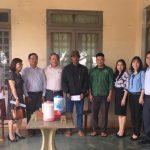 Tặng 30 suất quà cho công nhân cao su Krông Buk