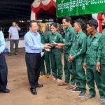9 công ty cao su Kampong Thom mít tinh kỷ niệm ngày Quốc tế Lao động