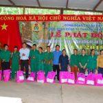 Cao su Chư Mom Ray hỗ trợ 3,2 tấn gạo cho công nhân mới