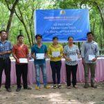 Cao su Tây Ninh tặng quà 24 công nhân khó khăn