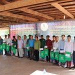 Công đoàn Cao su VN trao quà công nhân các đơn vị tại Campuchia