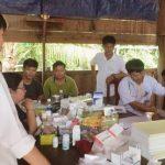 Cao su Chư Păh khám và cấp phát thuốc miễn phí tại Campuchia