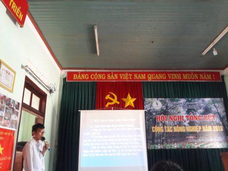 Các đại biểu trình bày tham luận tại Hội nghị