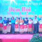 KCN Nam Tân Uyên trao 450 phần quà cho công nhân xa quê
