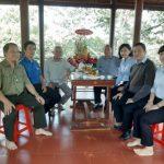 Cao su Lộc Ninh thăm, tặng quà đảng viên