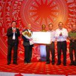 VRG ủng hộ 100 triệu đồng cho Quỹ Khuyến học Đăk Lăk