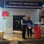 Đoàn Thanh niên Cao su Bình Long trao nhà nhân ái