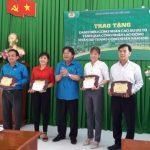 Công đoàn Cao su VN tặng quà công nhân khó khăn