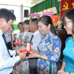 Thi đua góp sức cho tăng trưởng Gỗ Thuận An