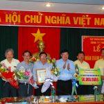 TGĐ VRG trao thưởng về đích sớm cho Cao su Chư Păh