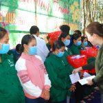 Nhất Hưng Group: Tặng 400 suất quà cho công nhân Cao su Kon Tum