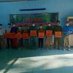 Công đoàn Trường Cao đẳng Công nghiệp Cao su  tặng quà công nhân
