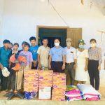 Cao su Quảng Nam tặng quà công nhân đồng bào dân tộc có hoàn cảnh khó khăn