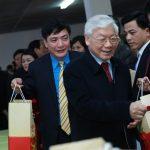 Nghị quyết của Bộ Chính trị về đổi mới tổ chức và hoạt động của Công đoàn Việt Nam trong tình hình m...