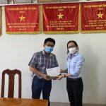 Cao su Tây Ninh hỗ trợ kinh phí cho lực lượng y tế địa phương
