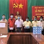 Cao su Chư Păh trao 2.380 hộp khẩu trang cho người lao động