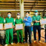 Cao su Mang Yang khen thưởng 54 tập thể và cá nhân vượt sản lượng