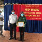 Cao su Tân Biên khen thưởng công nhân về trước kế hoạch sản lượng hơn 4 tháng