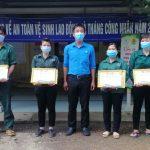 Cao su Tây Ninh khen thưởng công nhân hoàn thành kế hoạch năm