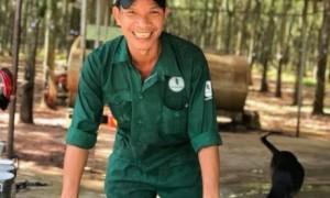 Công nhân Cao su Bình Long phấn khởi trước sự quan tâm, chăm lo của CĐ công ty. Ảnh: CTV.