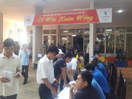 Ngày hội ý nghĩa thu hút nhiều người tình nguyện tham gia