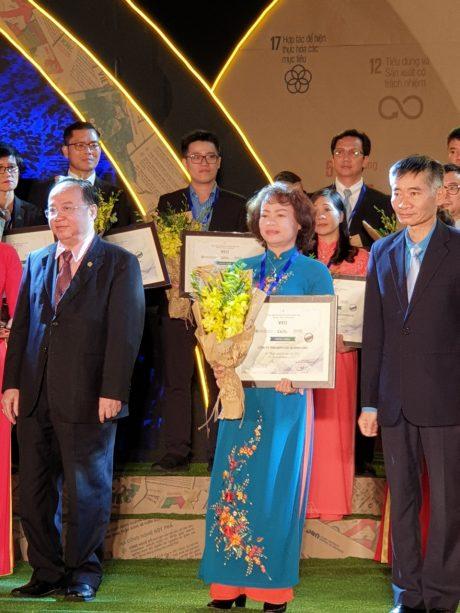 Cao su Bình Long là một trong 10 doanh nghiệp thuộc VRG nhận danh hiệu Doanh nghiệp bền vững 2019