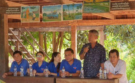 Ông Nguyễn Quang Vịnh – TGĐ Cao su Đồng Phú Kratie gửi lời cảm ơn đoàn tình nguyện