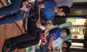 Các bạn ĐVTN tích cực tham gia ngày hội hiến máu nhân đạo
