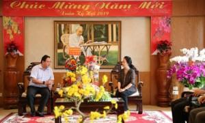 Ông Trương Minh Trung - Phó TGĐ VRG chúc Tết Tỉnh ủy Kiên Giang.