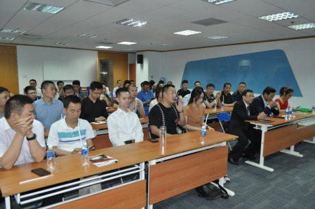 Các đại biểu khách mời tham gia hội thảo