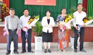 Lãnh đạo TCT khen thưởng tại Lễ công bố hoàn thành kế hoạch sản lượng của Nông trường
