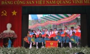 Công đoàn TCT nhận cờ thi đua của Tổng Liên đoàn Lao động Việt Nam