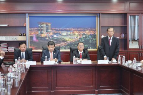 Bí thư Đảng ủy, Chủ tịch HĐQT VRG Trần Ngọc Thuận phát biểu tại lễ ký kết hợp tác kinh doanh