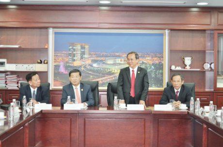 Ông Trần Văn Nam - UV BCH TW Đảng, Bí thư tỉnh ủy Bình Dương phát biểu chỉ đạo tại lễ ký kết