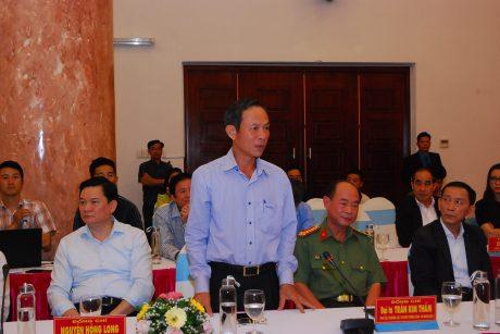 Ông Trần Ngọc Thuận báo cáo với Phó Thủ tướng về hoạt động của VRG