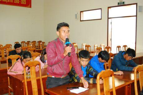 Bạn Thuyết ở xã Trang nêu ý kiến về chế độ đãi ngộ khi sang CPC làm việc